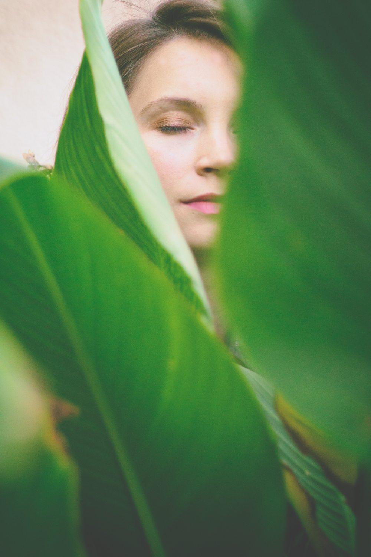 close-up-closed-eyes-flora-1510265