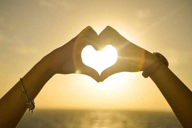 beautiful-hands-heart-5390 (1)
