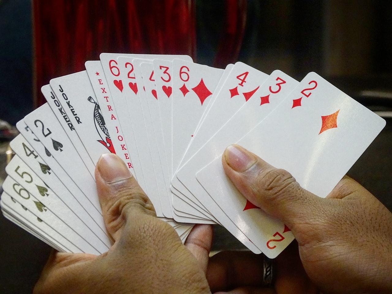 cards-gambling-game-800767