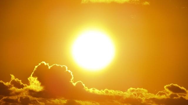 beach-bright-clouds-301599