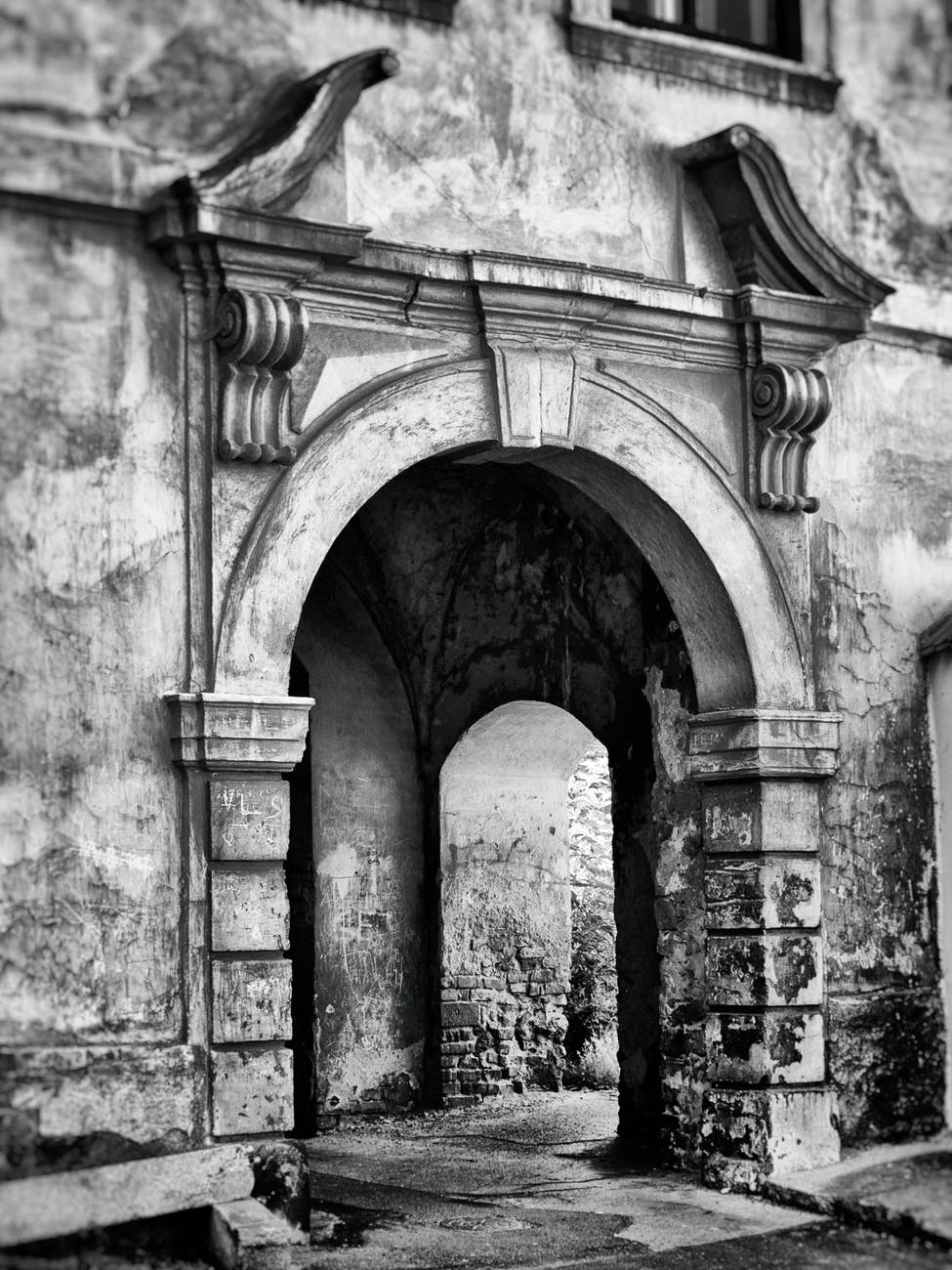 abandoned ancient antique arch