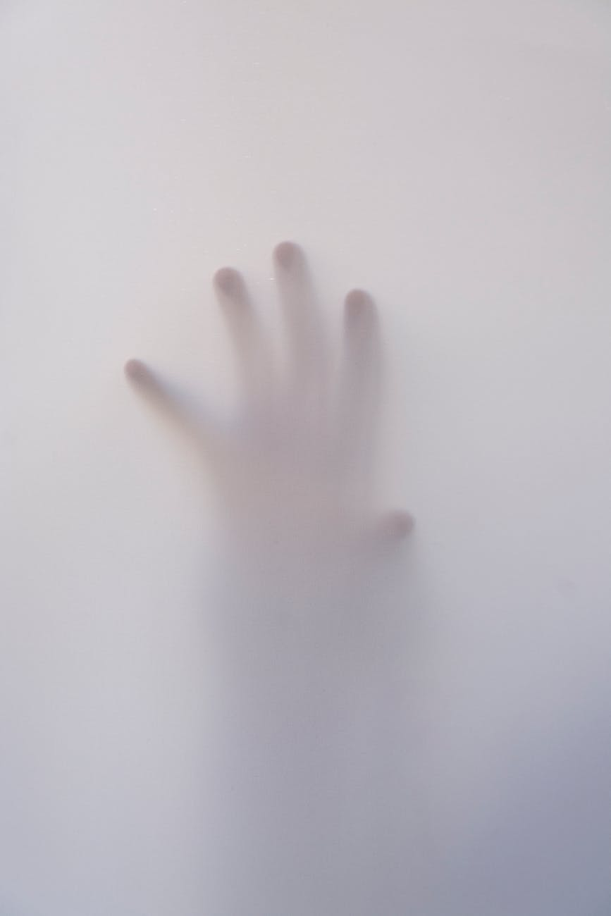 art fingers foggy hand