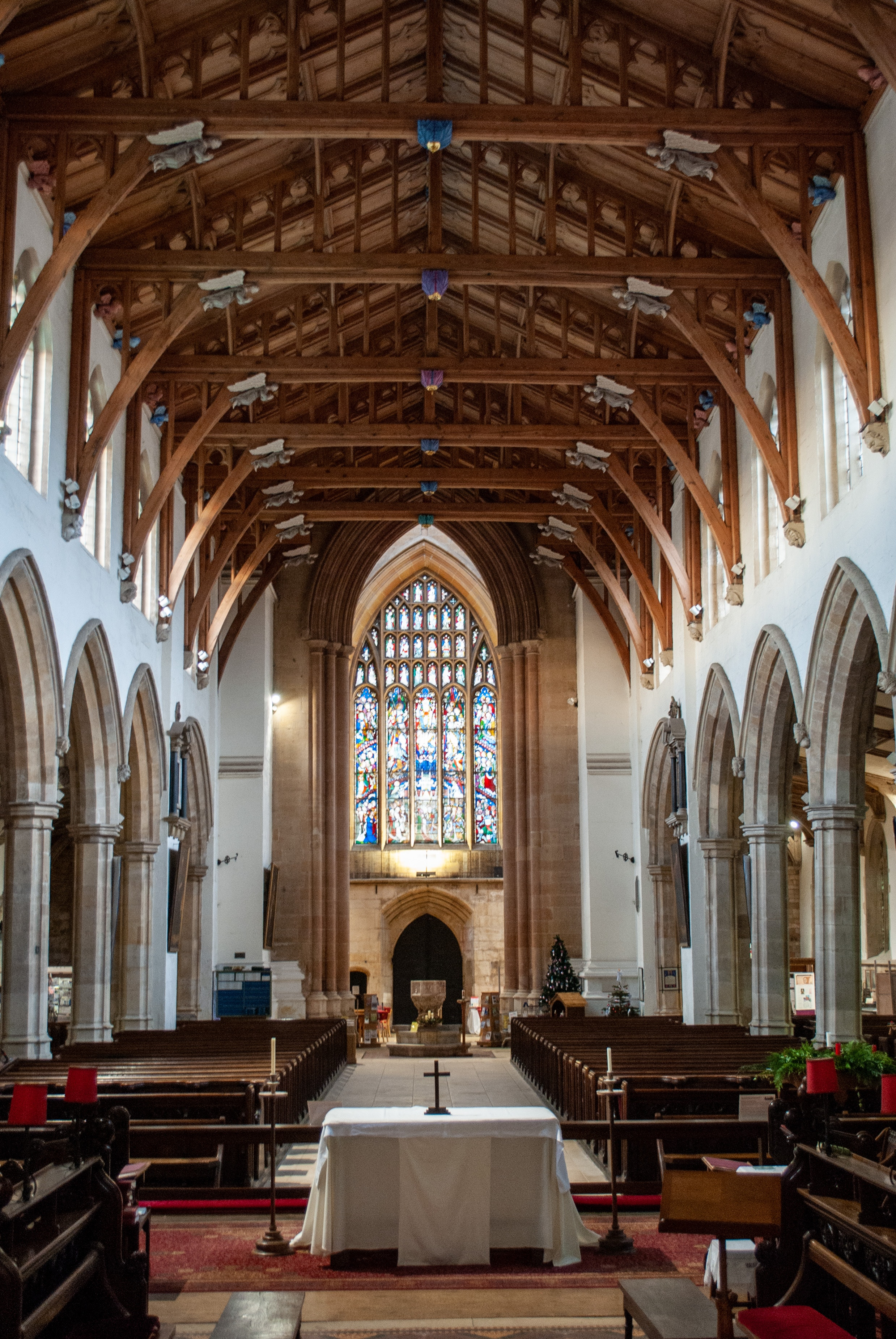 brown-and-white-cathedral-interior-3661397
