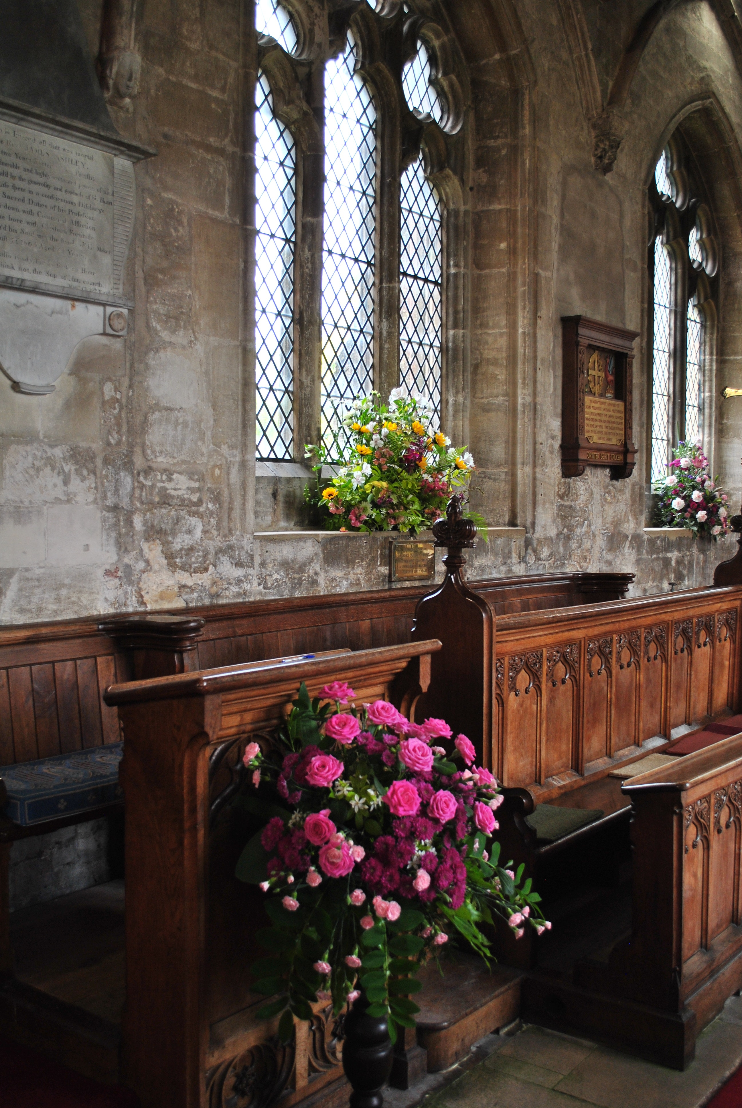 flowers-church-church-window-flower-arrangement-3632088