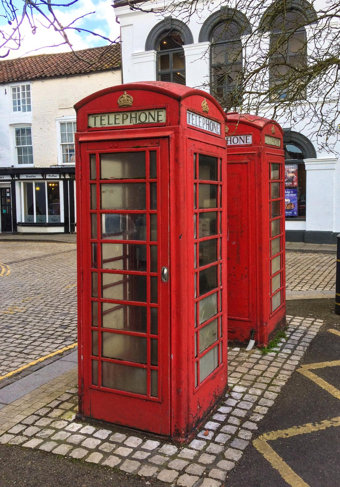 kiosk-telephone-telephone-booth-color-red-3891920